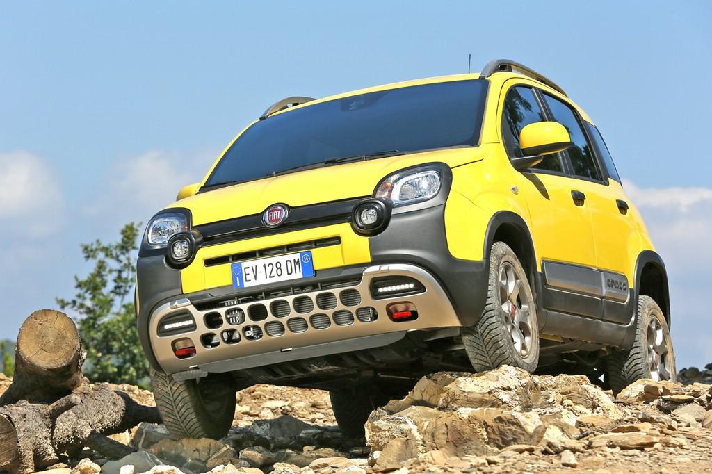 Der Crossover Fiat Panda Cross im Gelände im Einsatz