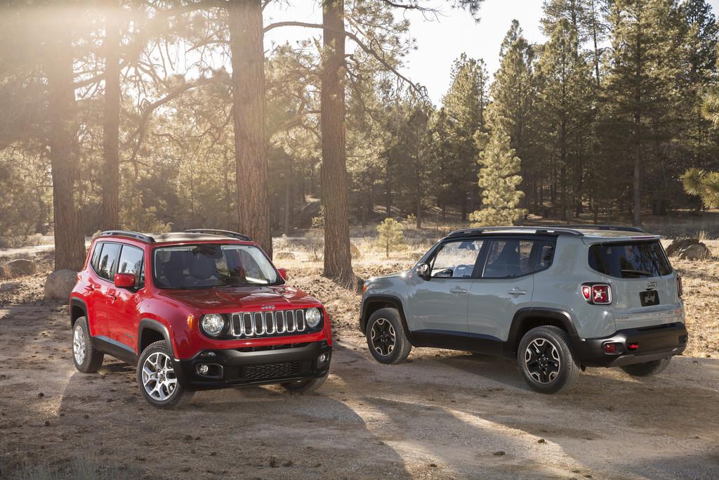 Kompakt-SUV Jeep Renegade in verschiedenen Farben Bildvergleich