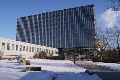Das KBA Gebäude in Flensburg