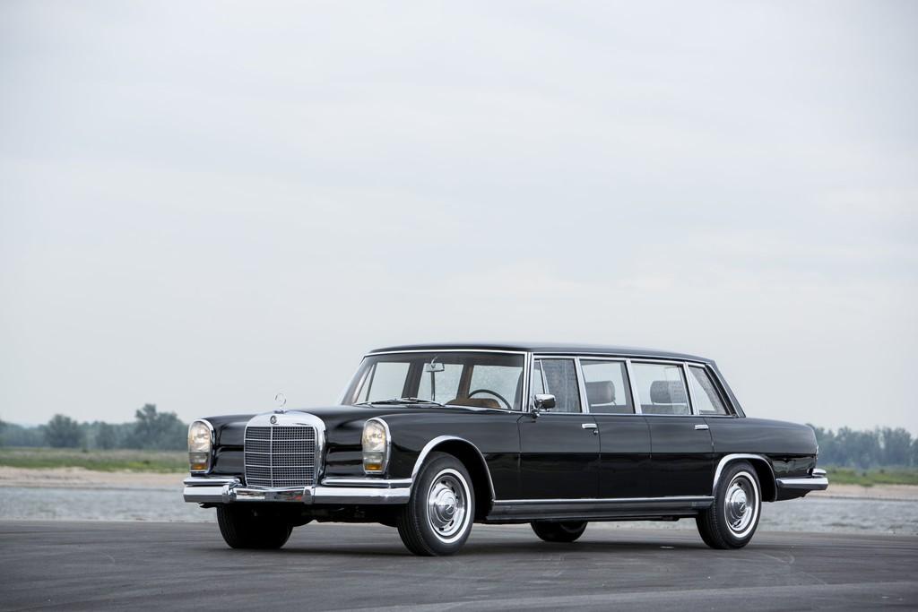 Schwarzer Mercedes-Benz 600 Pullman aus den 1960er Jahren