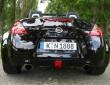 Nissan 370 Z Roadster in schwarz, das bullige Heck des Sportwagens