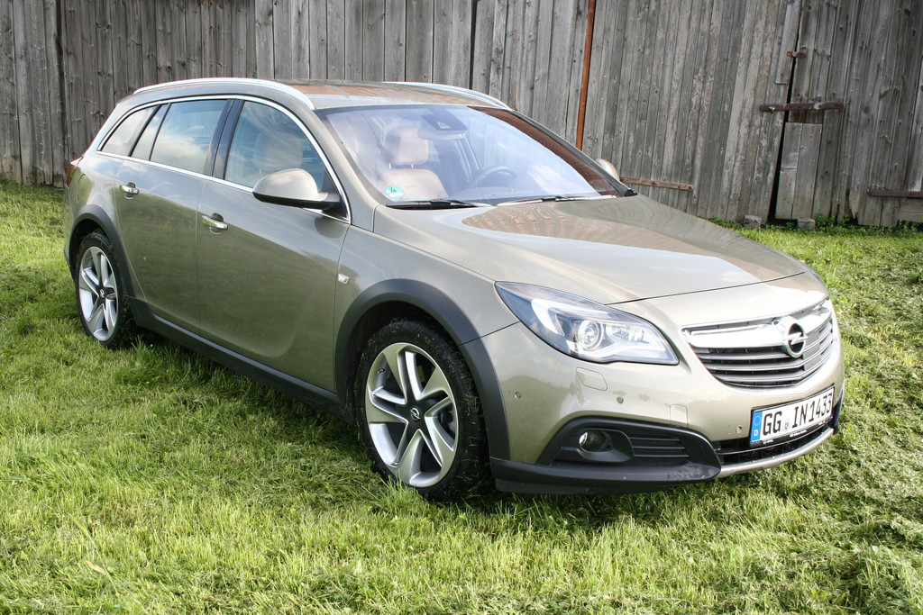 Opel Insignia Country Tourer 2.0 SIDI Turbo auf 19 Zoll Felgen