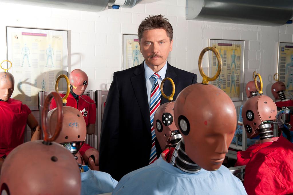 Prof. Dr. Rodolfo Schöneburg, Centerleiter Passive Sicherheit mit dummies