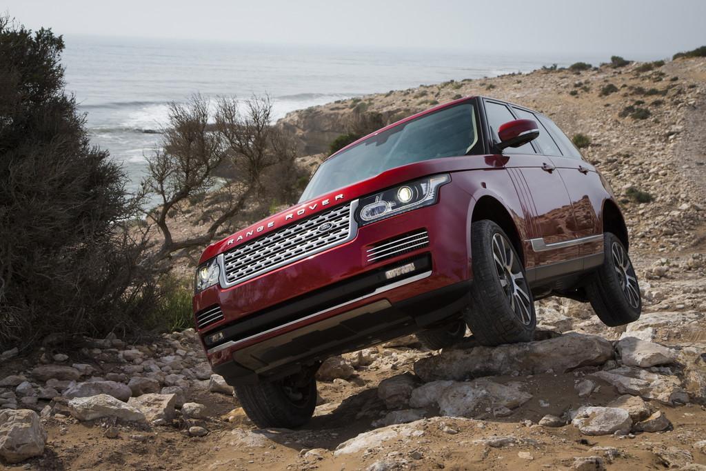 Range Rover Modell 2015 im Gelände