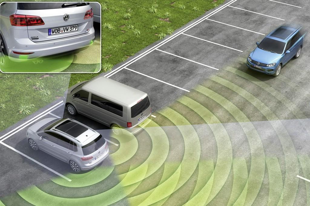 Den nützlichen Totwinkelwarner gibt es jetzt auch für Volkswagen Golf Variant und die Beetle-Modelle.