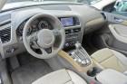 Lenkrad, Mittelkonsole und Sitze des Audi Q5 2.0 TDI clean diesel quattro