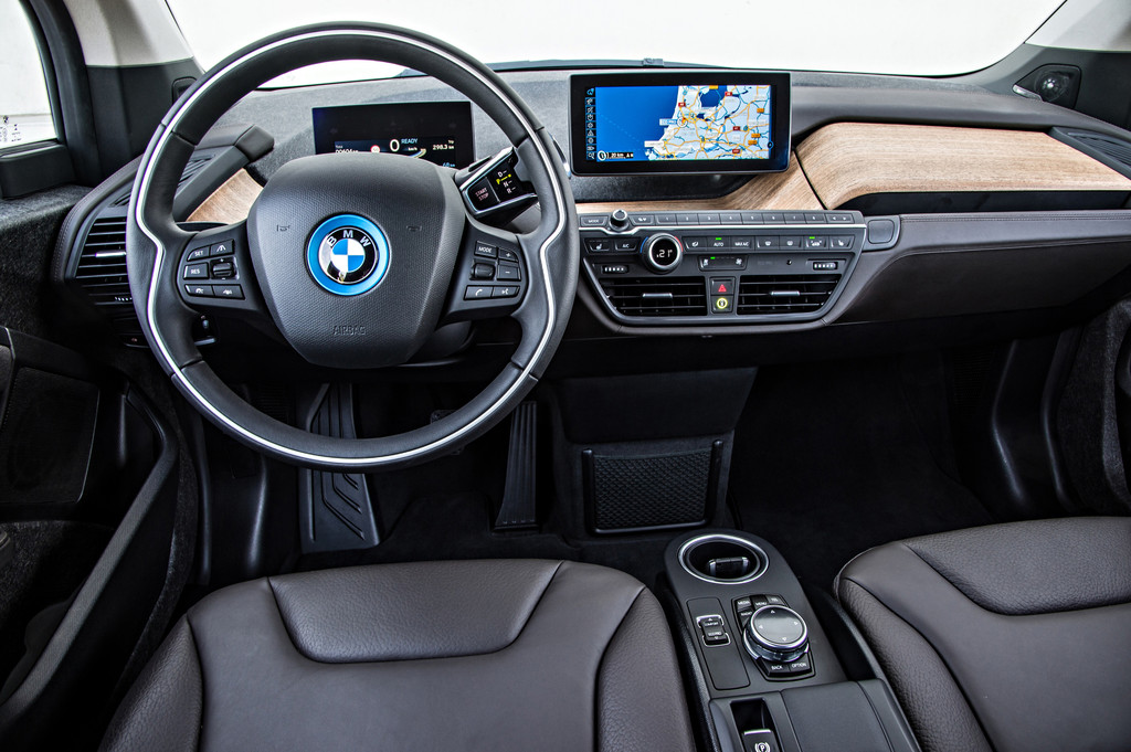Vollausgestatteter BMW i3 mit Ledersitzen und Navi inklusive