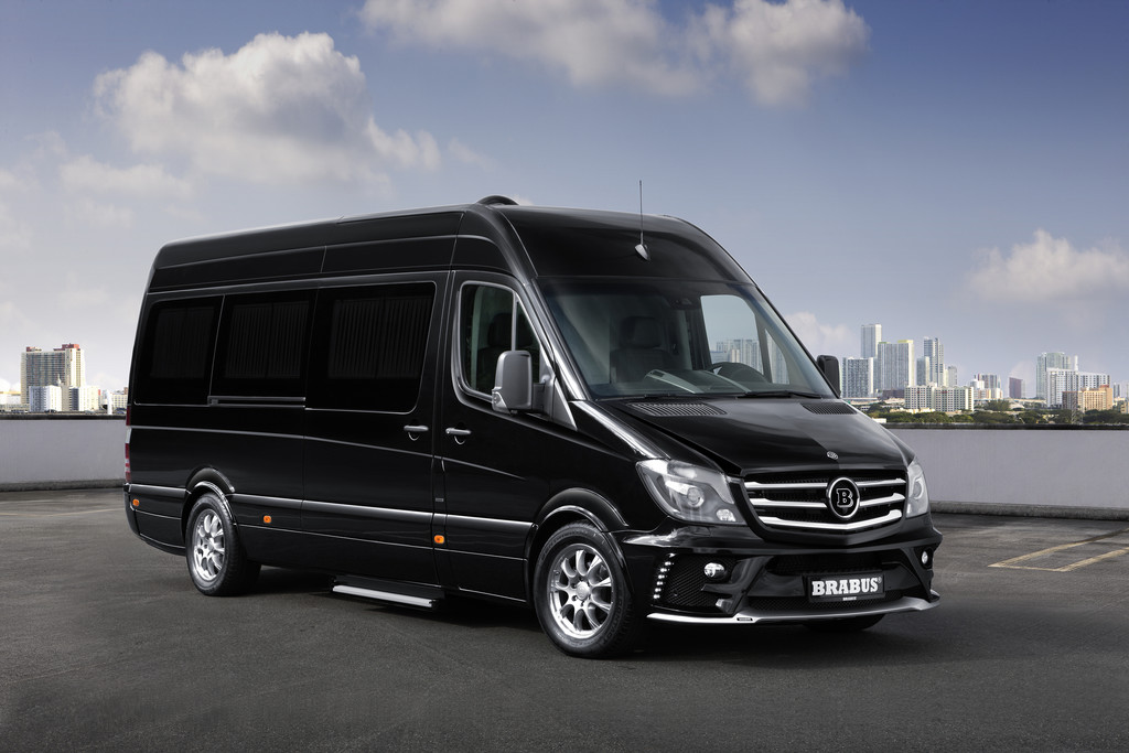 Luxusfahrzeug Brabus Business Lounge in Schwarz Metallic