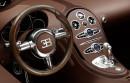 Das Cockpit des Luxusautos Bugatti Veyron 16.4 Grand Sport Vitesse Ettore Bugatti