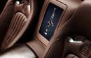 Der tanzende Elefant auf dem Ablagenfach des Bugatti Veyron 16.4 Grand Sport Vitesse Ettore Bugatti