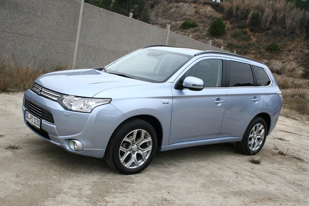 Mitsubishi Plug-in Hybrid Outlander erster SUV der Japaner mit Hybridantrieb