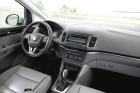 Das Cockpit des Vans Seat Alhambra 2.0 TDI