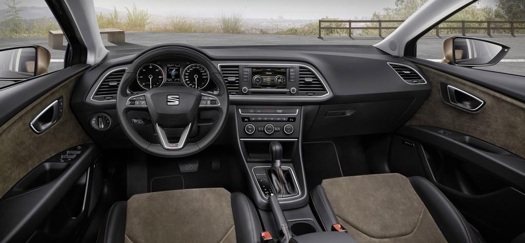 Das Armaturenbrett und alles was dazu gehört des Seat Leon X-perience