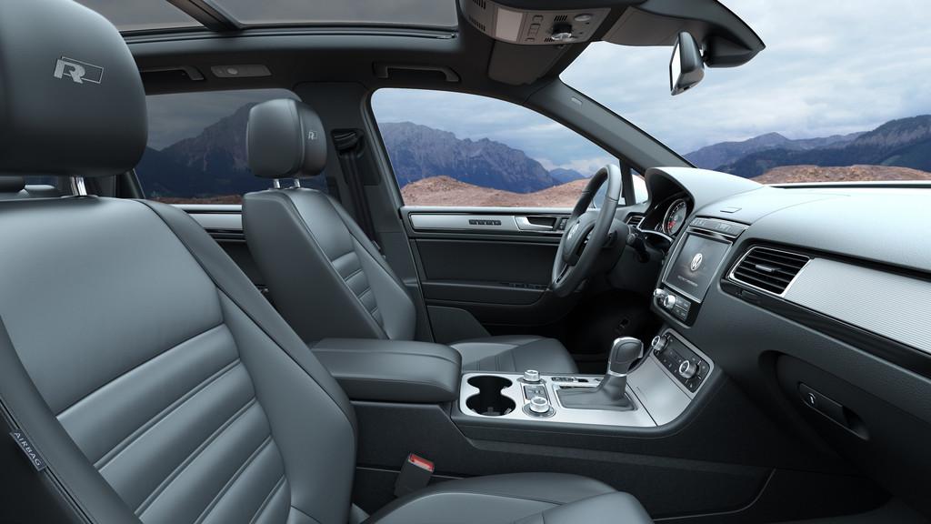 Galerie: Volkswagen Touareg Facelift 2015, R-Line Interieur | Bilder ...