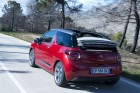 Rotes Citroen DS3 e-HDi 90 Automatic Cabriolet in der Heckansicht