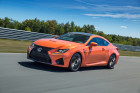 Der 477 PS starke Sportcoupe Lexus RC F in orange