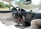 Der große Bildschirm in der Mittelkonsole des Maserati Ghibli Diesel