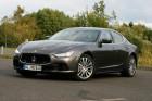 Der Maserati Ghibli ist 4,97 Meter lang, 1,95 Meter breit und 1,46 Meter hoch