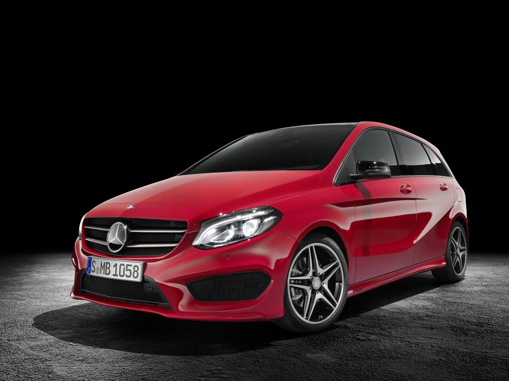 Die Frontschürze des neuen (2015) Mercedes-Benz B 250 CDI