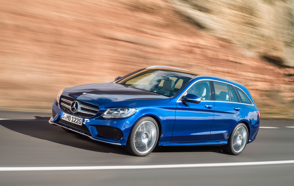 Mercedes-Benz C-Klasse in der Farbe brillantblau metallic