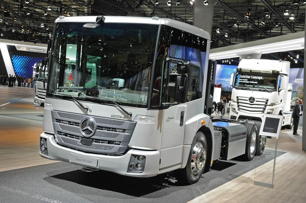 Mercedes-Benz Lkw Econic jetzt auch mit Erdgasmotor