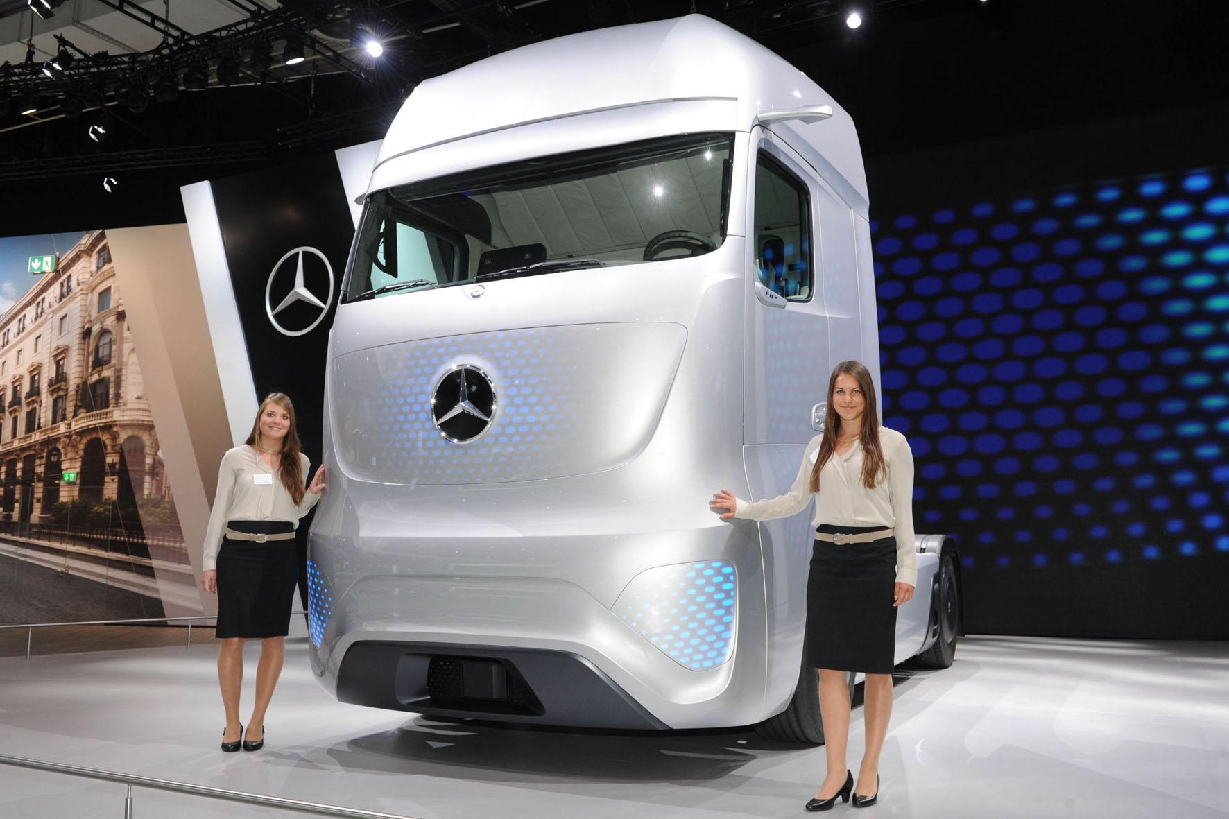 Mercedes-Benz Future Truck 2025 Autonomes Brummi-Fahren dürfte schon bald Realität werden.