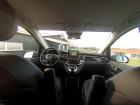 Der Innenraum des Vans Mercedes-Benz V220 CDI