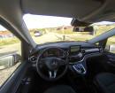 Das Cockpit des Mercedes-Benz V220 CDI