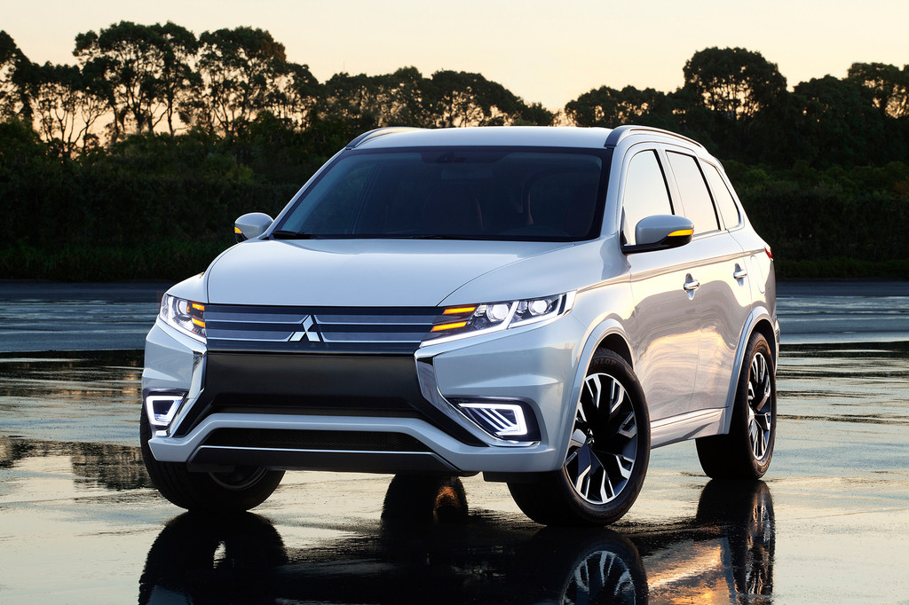 Die Frontpartie des Mitsubishi Outlander PHEV Concept-S