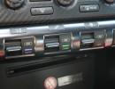 Die Wippschalter in der Mittelkonsole des Nissan GT-R