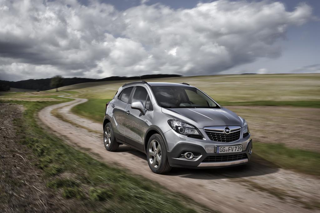 Silbergrauer Opel Mokka 1.6 CDTI mit 100 KW