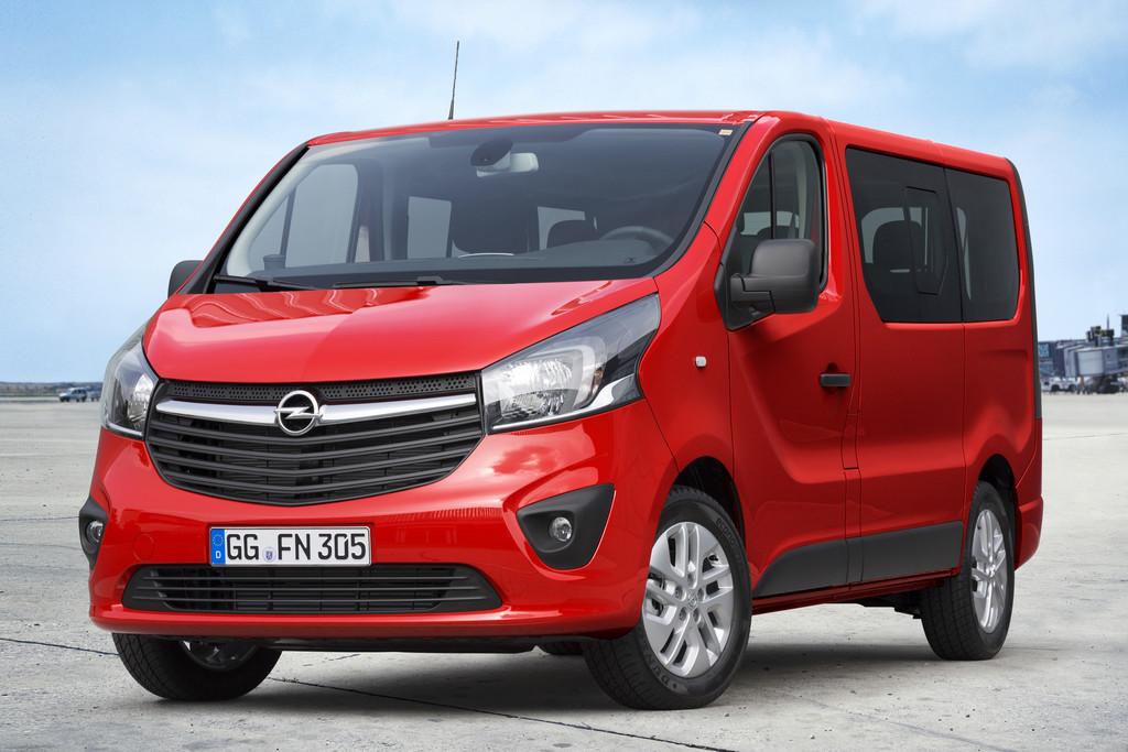 2015er Opel Vivaro Combi in der Frontansicht