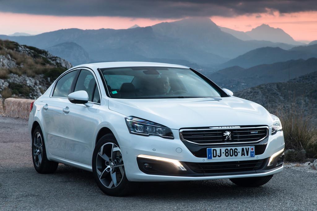 Abblend und Tagfahrlict für das 2015er Modell des Peugeot 508