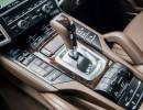 Der Schalthebel des Porsche Cayenne Diesel 2015