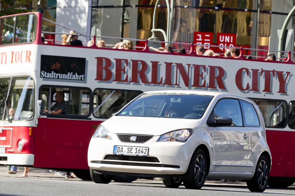 Seat Mii by Mango bei einer Fahrt in Berlin