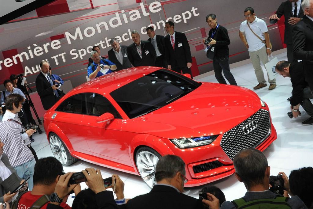 Auf dem Pariser Autosalon präsentiert Audi das neue Konzeptauto TT Sportback.