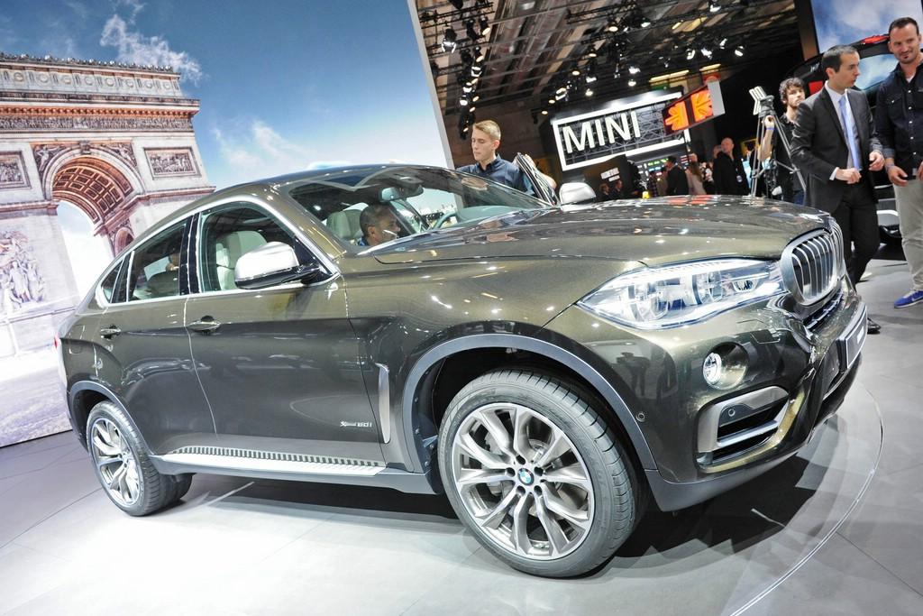 BMW X6 2015 auf dem Pariser Automobilsalon 2014