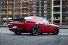 Muscle Car Dodge Challenger SRT Hellcat in rot