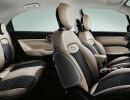 Die vorderen und hinteren Sitze des Fiat 500X Opening Edition