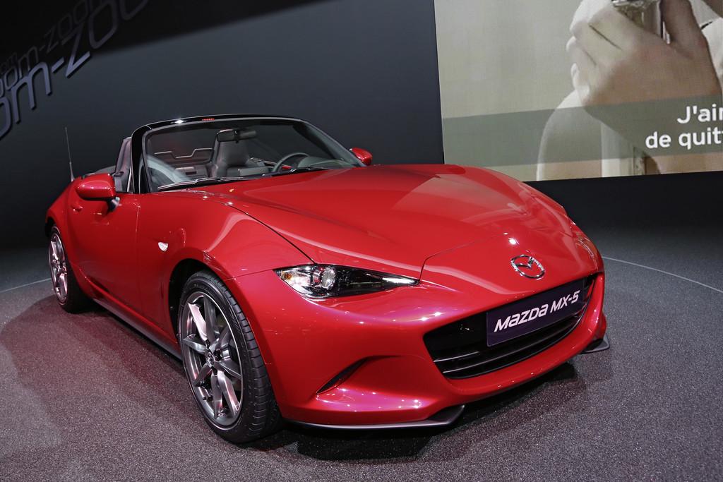 Der neue Mazda MX-5 beim Pariser Autosalon 2014