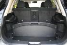 Zusätzliche Staufächer im Kofferraum des Nissan X-Trail