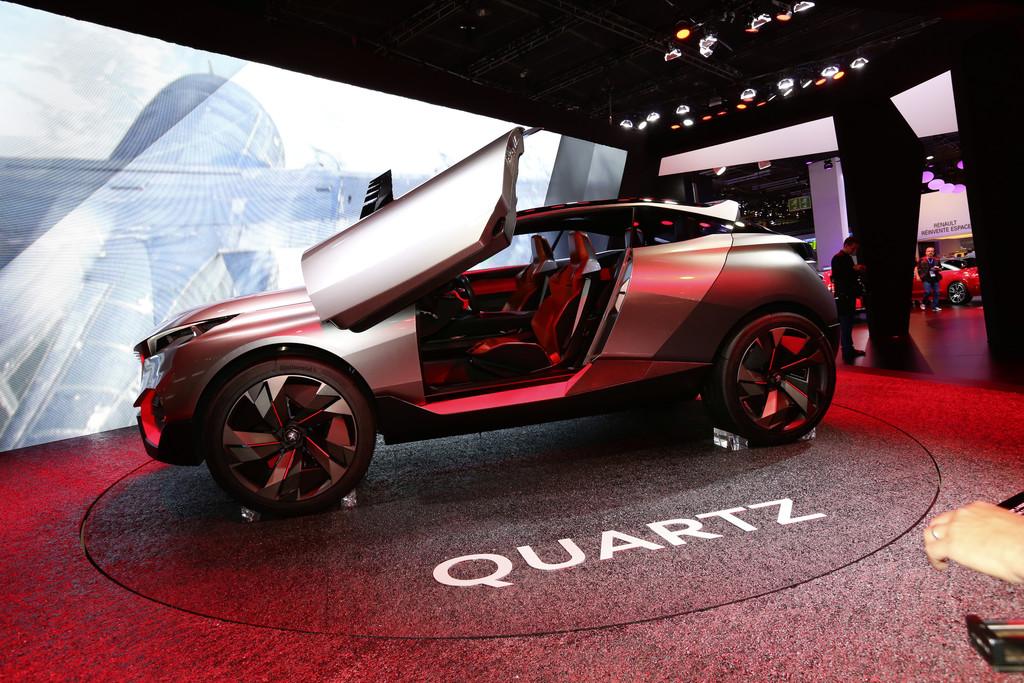 Auf dem Pariser Autosalon präsentiert Peugeot die Studie Quartz