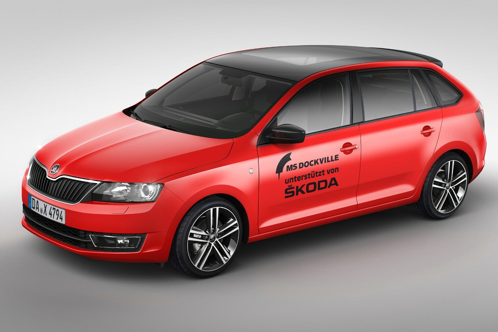 Skoda Rapid Spaceback in knallrot