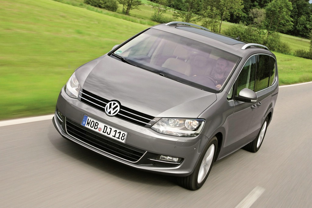 test vw sharan 2 0 tdi 6 gang dsg im fahrbericht. Black Bedroom Furniture Sets. Home Design Ideas