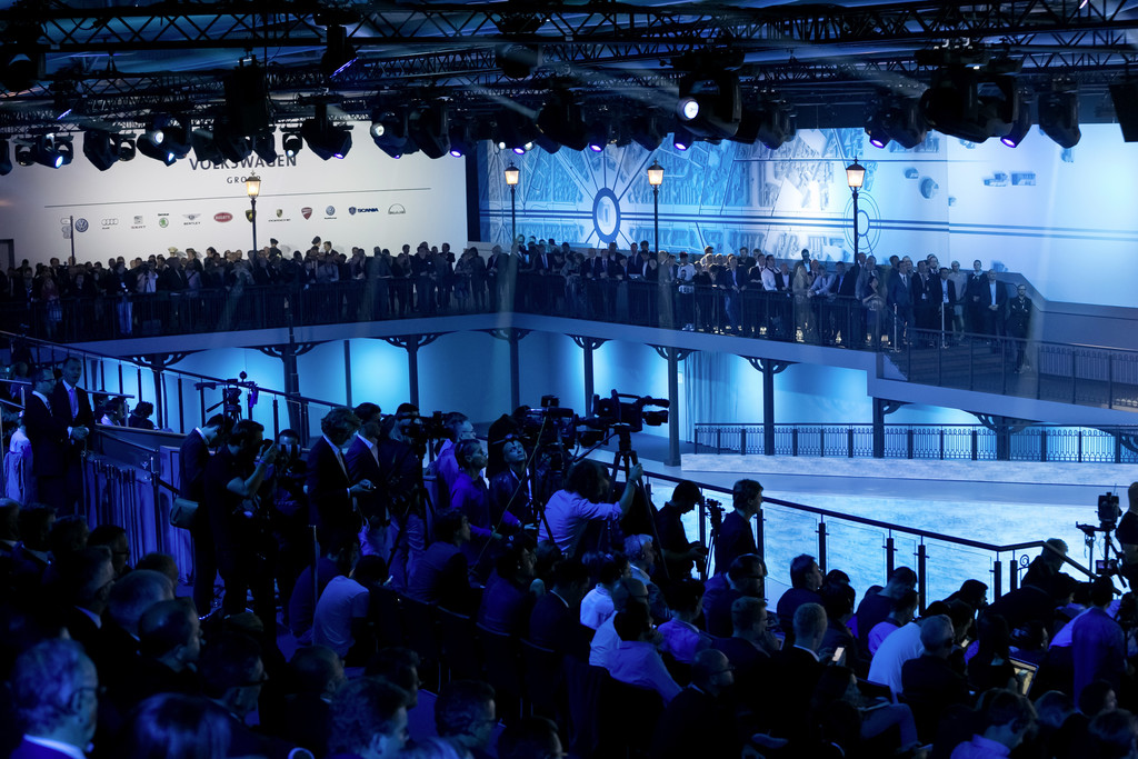 Der Autobauer Volkswagen auf der Pariser Autoshow 2014