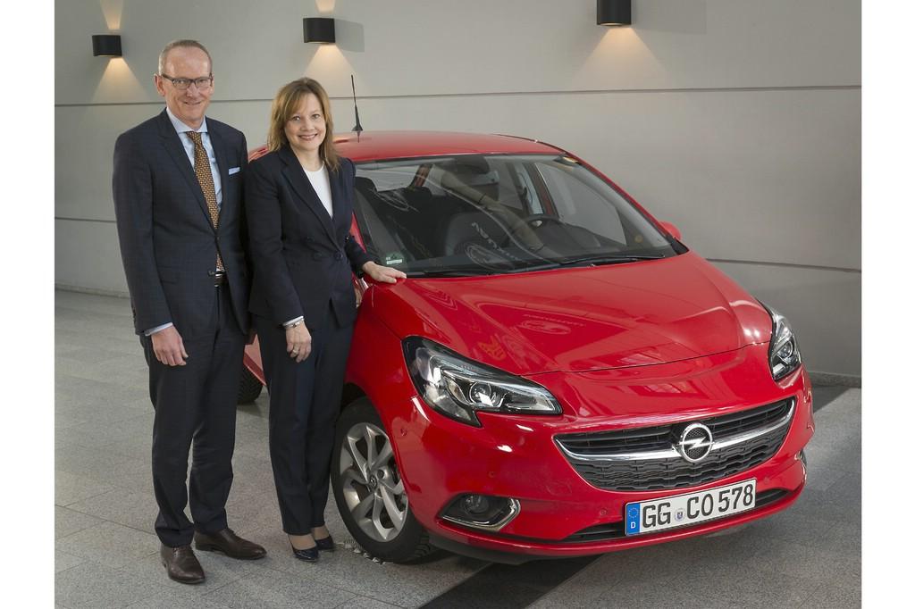 GM-CEO Mary Barra und Opel Group-Chef Dr. Karl-Thomas Neumann verkünden vor dem neuen Corsa die Produktionpläne eines neuen SUV aus Rüsselsheim.