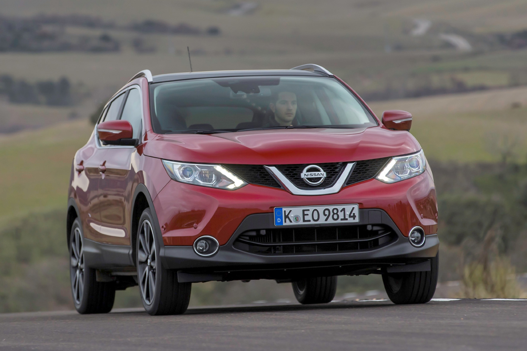 Nissan Qashqai in rot