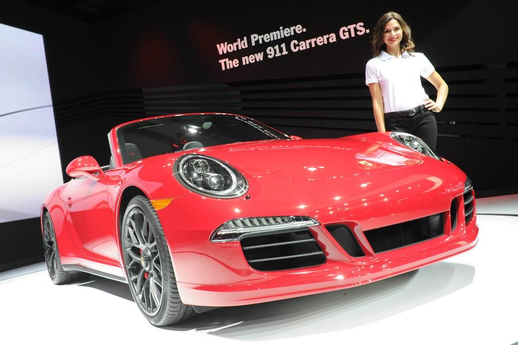 Porsche präsentiert 911 Carrera GTS in rot auf der LA Auto Show 2014