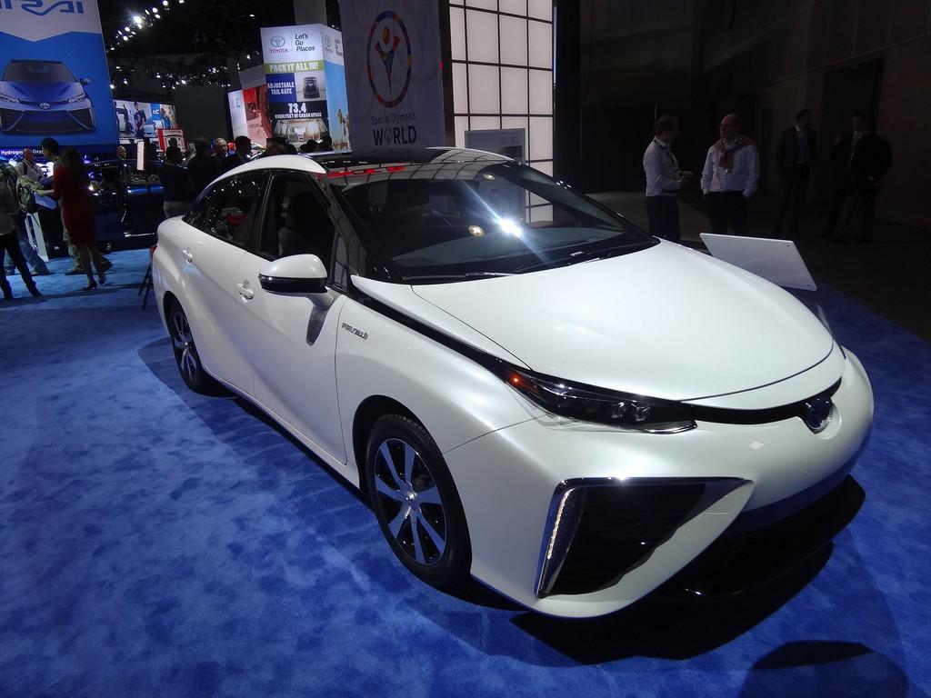 Toyota Mirai auf der Los Angeles 2014