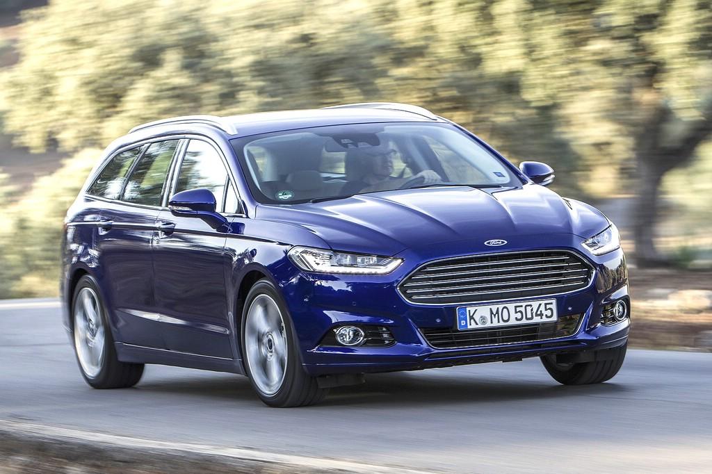 2015er Ford Mondeo als Kombi in Dunkelblau